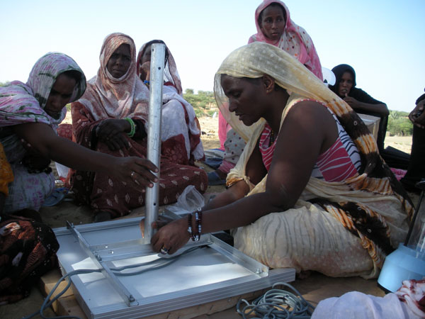 The First Women Barefoot Solar Engineers of Mauritania Installing Solar Lighting Systems