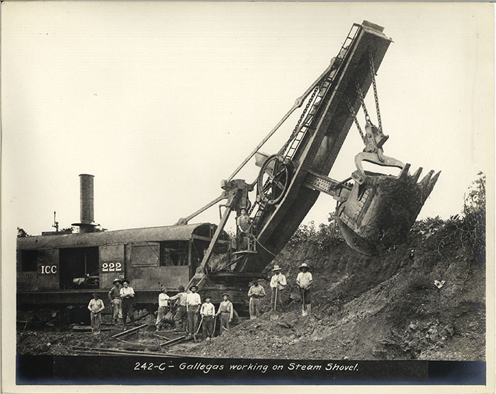 photo of Steam shovel work on the Panama Canal,